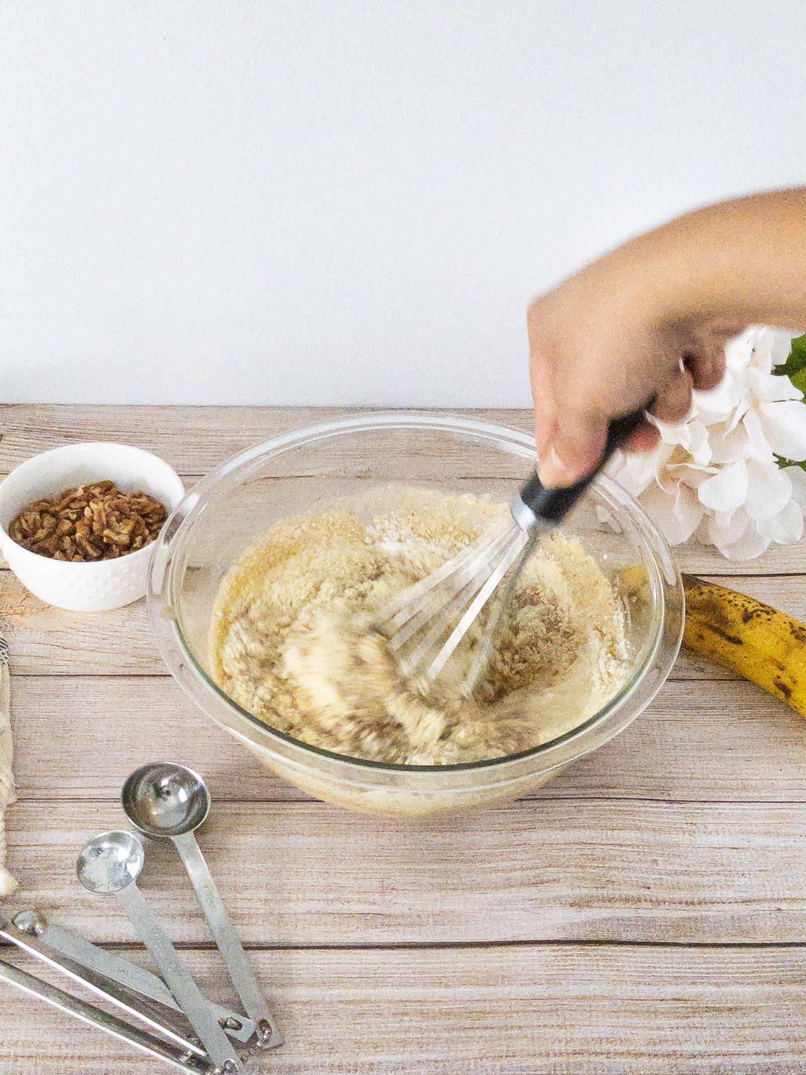 sweetketolife.com-almond-flour-banana-muffins-batter