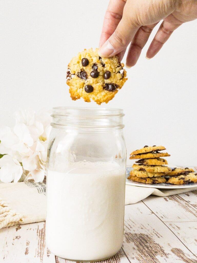 sweetketolife.com-keto-chocolate-chip-cookies-milk-dipping