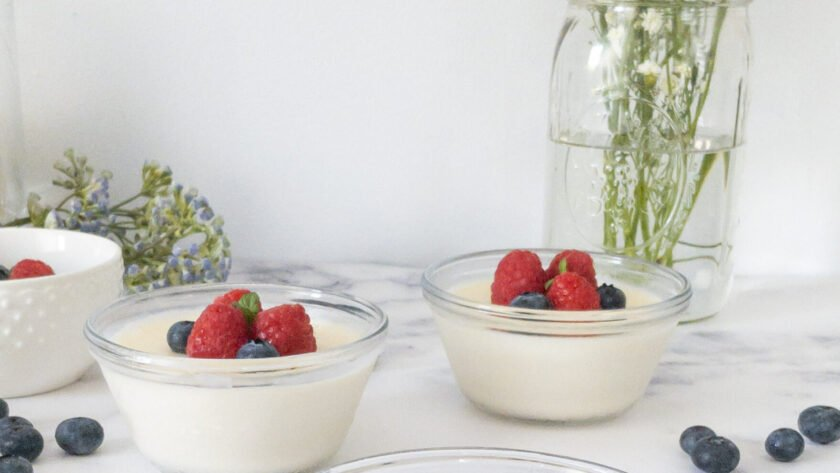 moresweetthansalty.com-low-carb-panna-cotta-with-mascarpone-blueberry