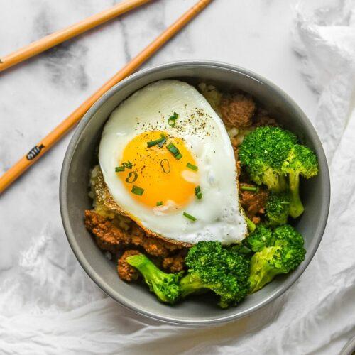 sweetketolife.com-keto-korean-beef-bowl