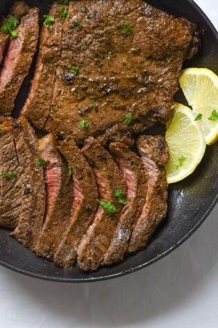 sweetketolife.com-juicy-steak-with-keto-soy-sauce-marinade-lemon