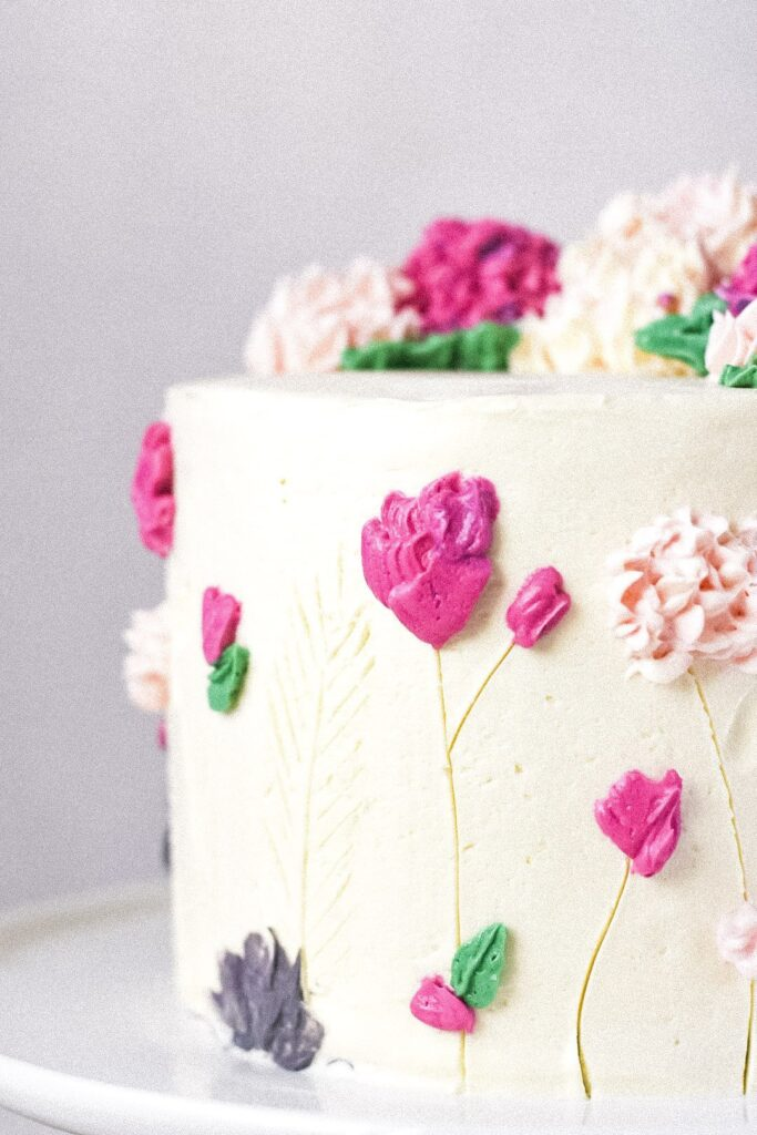 sweetketolife.com-keto-chocolate-chip-cookie-cake-flowers
