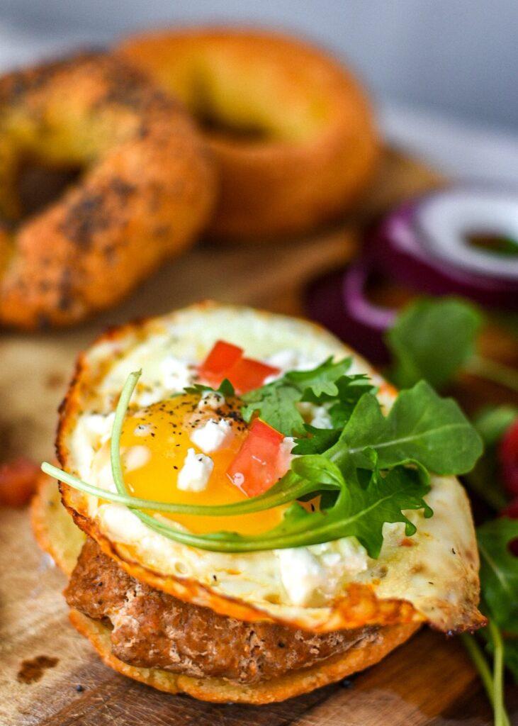 sweetketolife.com-bagel-with-almond-flour-egg-sandwich