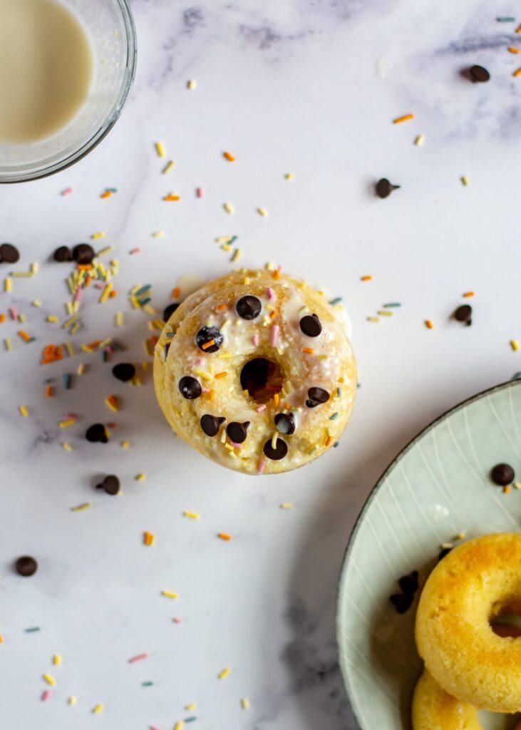 sweetketolife.com-almond-flour-doughnuts-glazed-chcolate