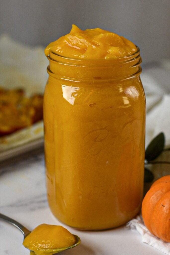 sweetketolife.com-keto-pumpkin-puree-sugar-freea