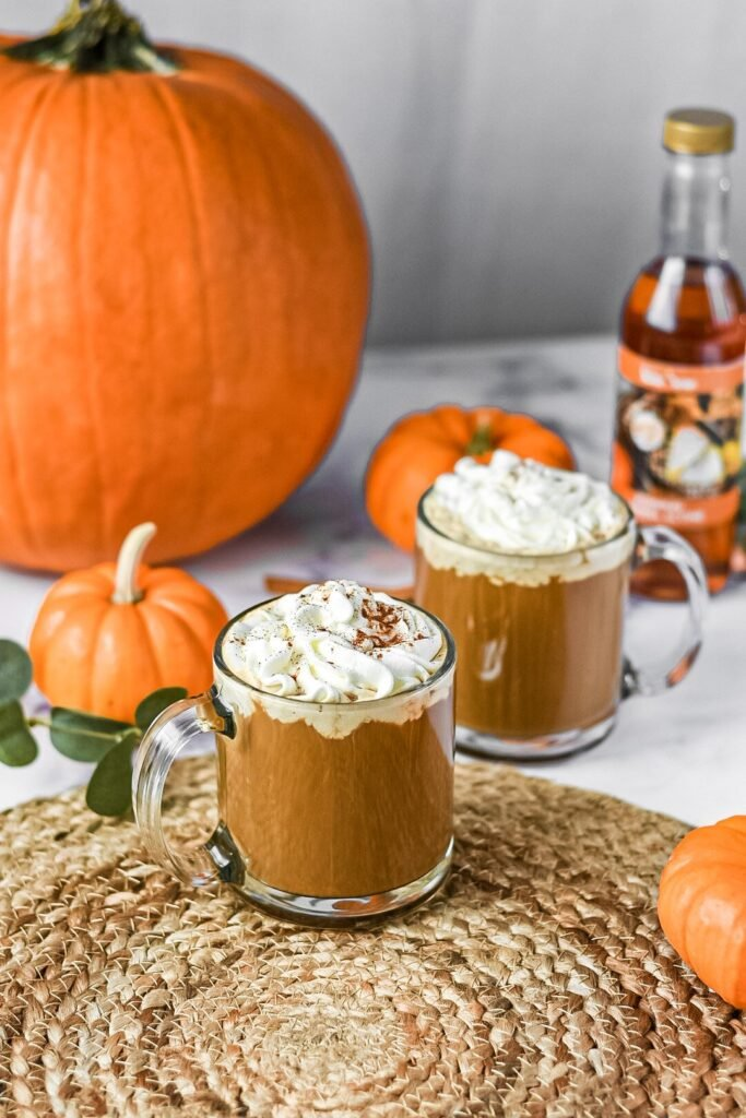 sweetketolife.com-keto-pumpkin-spice-latte-starbucks-whipped-cream