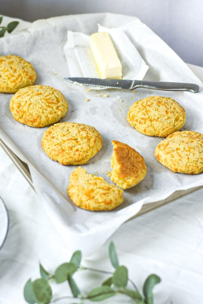 sweetketolife.com-flourless-biscuits-recipe-keto-cheesy