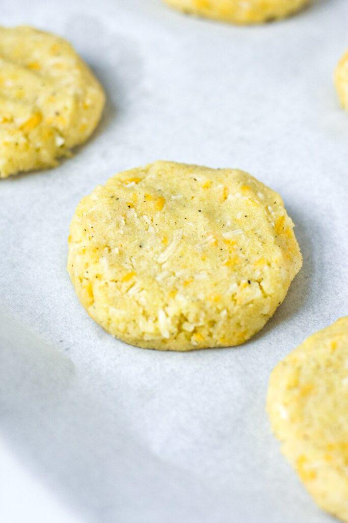 sweetketolife.com-flourless-biscuits-recipe-keto-easy