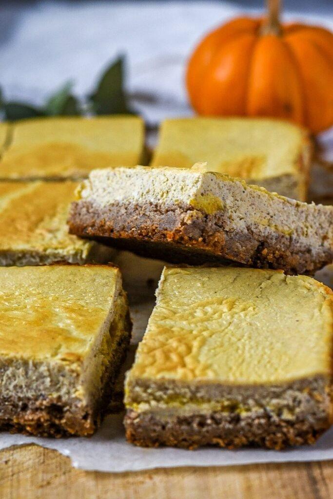 sweetketolife.com-flourless-pumpkin-dessert-cheesecake-bars
