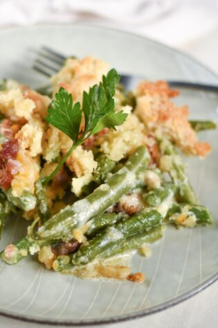 sweetketolife.com-green-bean-casserole-with-cheese-with-bacon