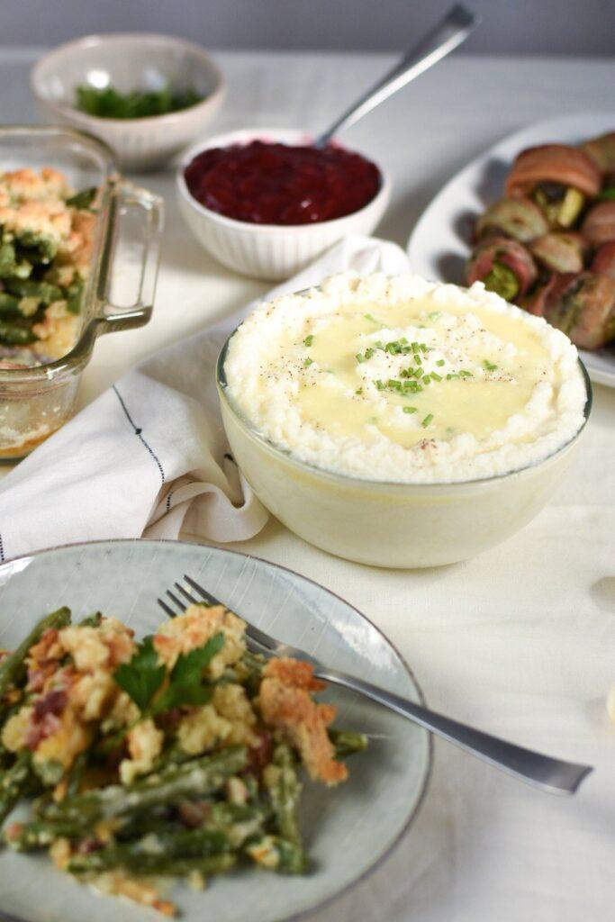 sweetketolife.com-keto-friendly-gravy-mashed-potato