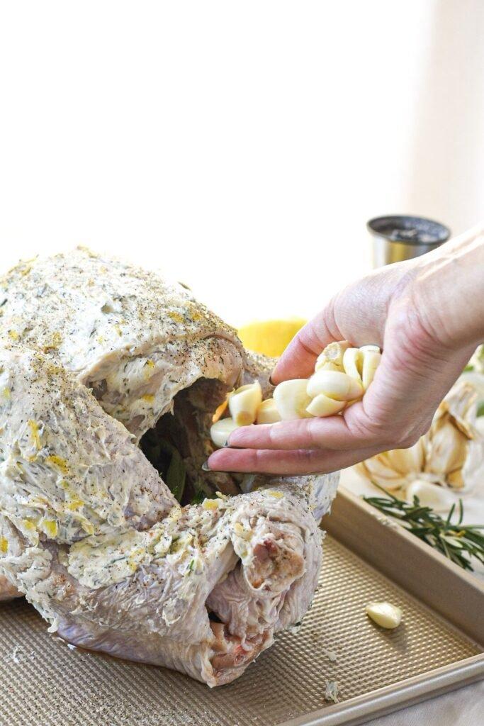 sweetketolife.com-keto-thanksgiving-turkey-recipes-garlic