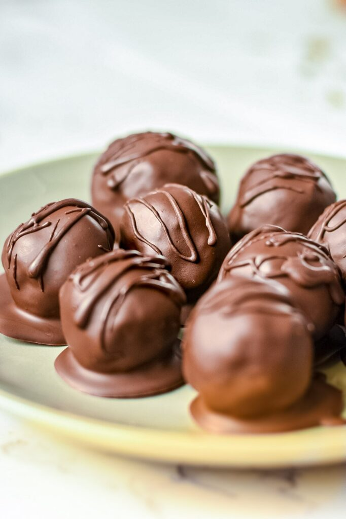 sweetketolife.com-keto-truffels-recipe-pie