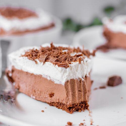 sweetketolife.com-easy-keto-chocolate-pie-2-scaled