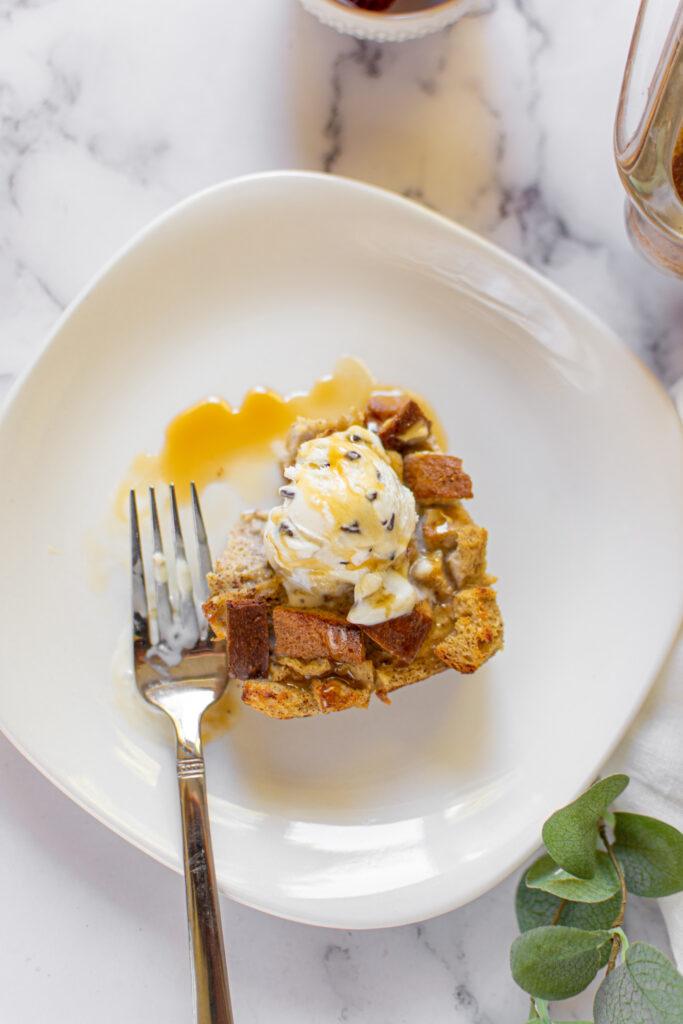 sweetketolife.com-low-carb-bread-pudding-recipe-keto-caramel