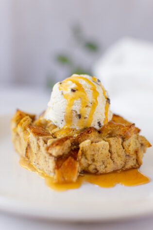 sweetketolife.com-low-carb-bread-pudding-recipe-sugar-free-caramel